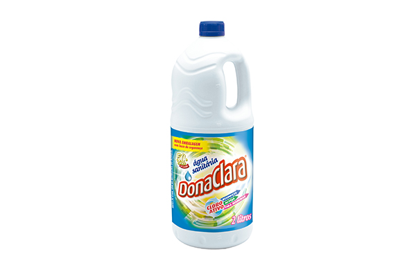 Água sanitária para limpeza pesada
